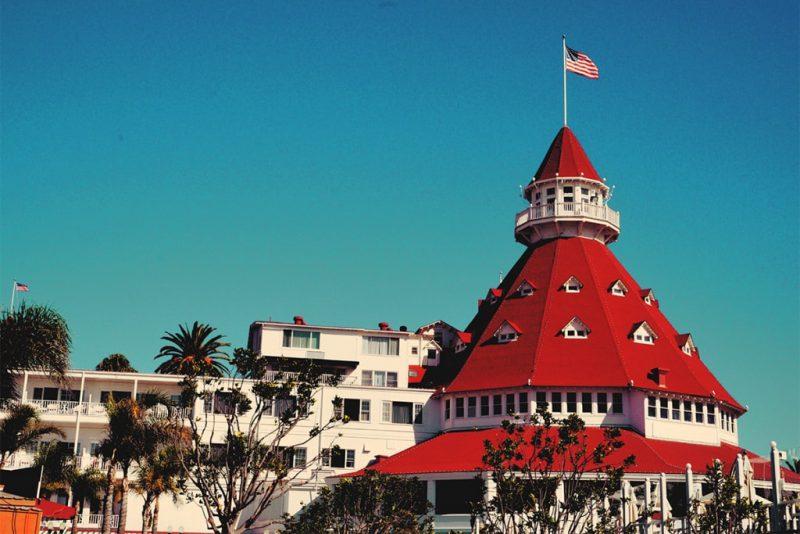 Чем прославился отель Del Coronado?