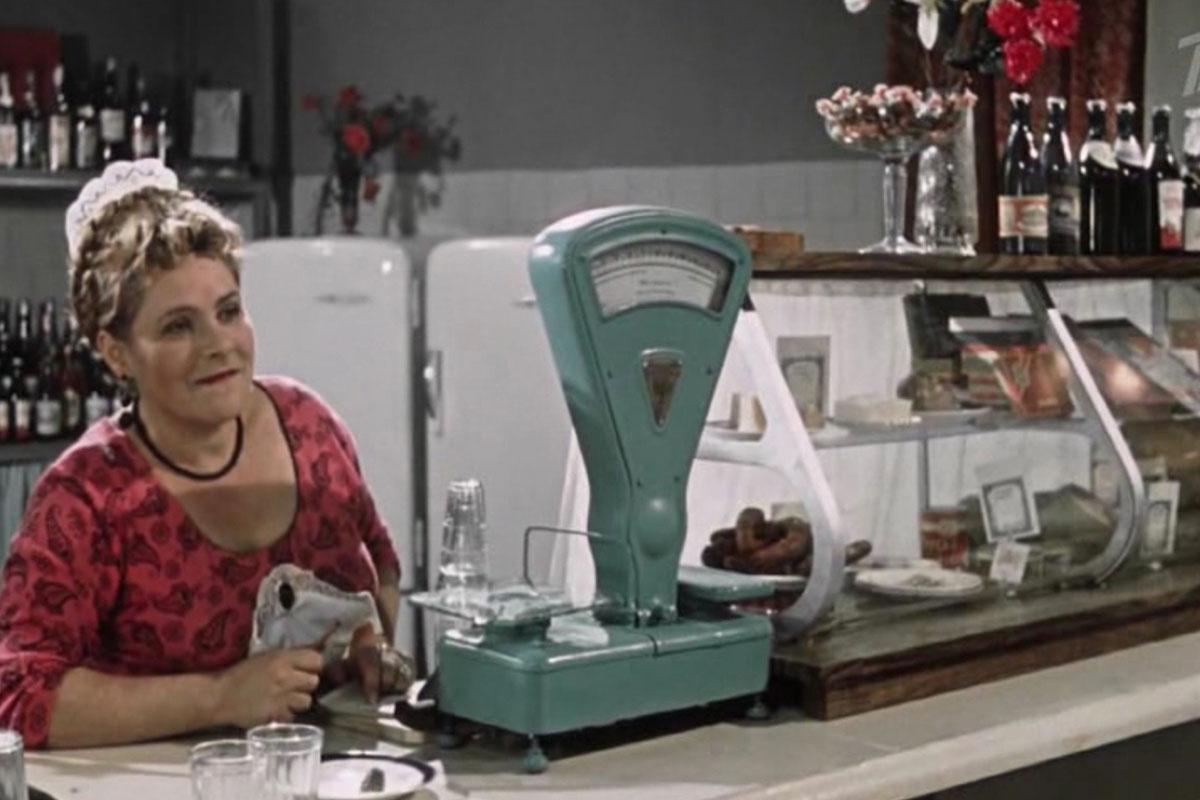 «Королева бензоколонки». Как в32выглядеть на17? | Feеllini — ваш проводник в мире кино.