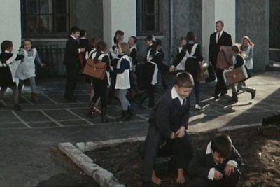 Кадры изфильма «Большая перемена»| Feеllini— ваш проводник вмире кино.