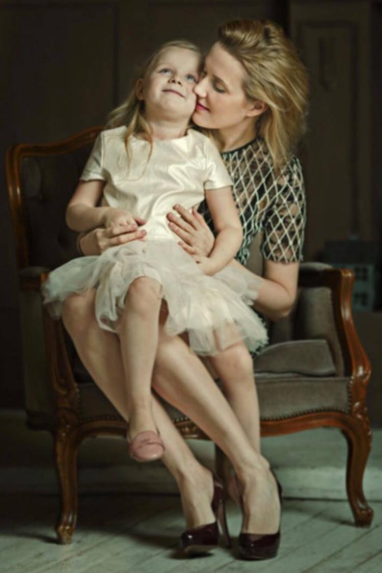 Оксана Карас с дочкой