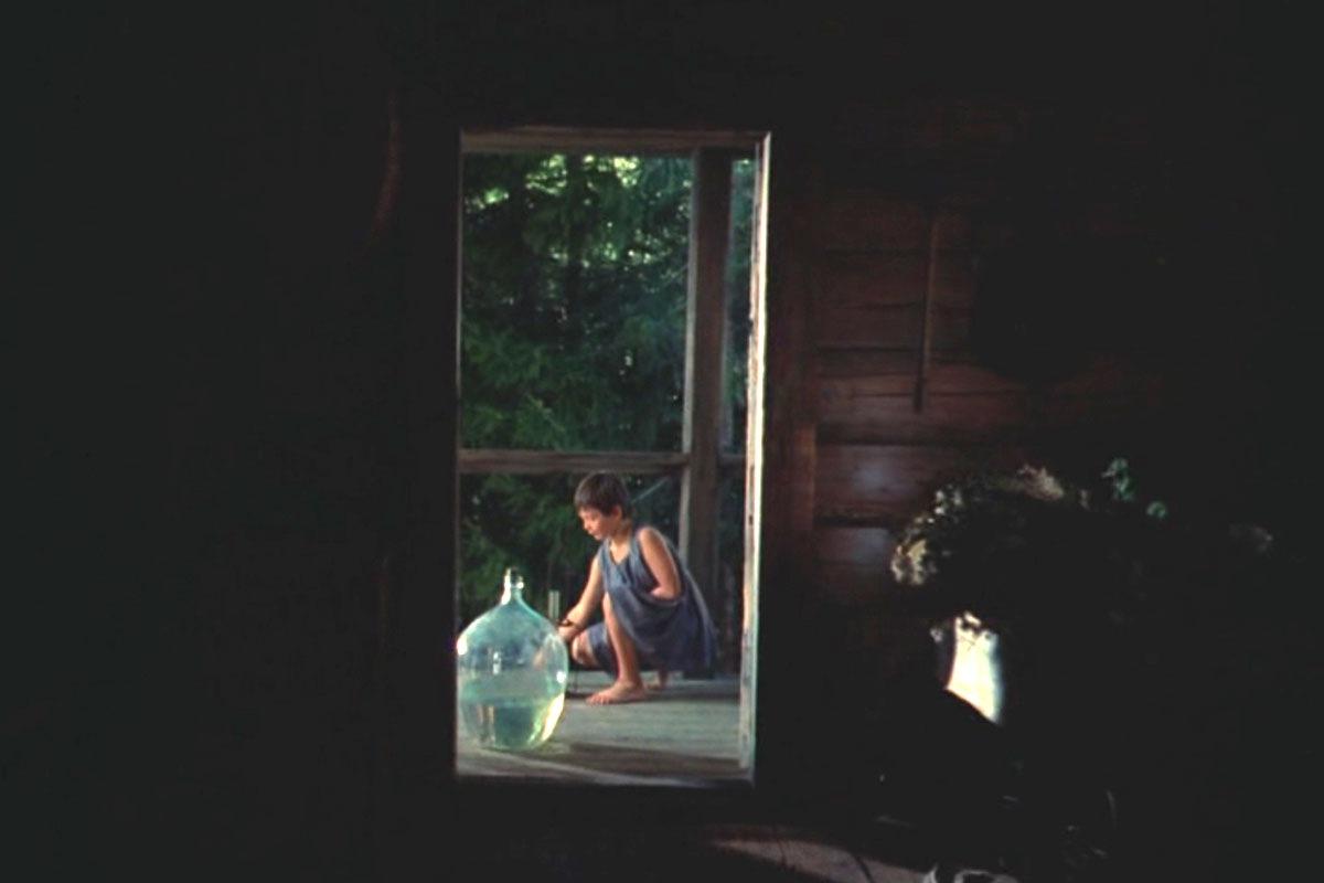 Кадр из фильма «Зеркало» | FEELLINI — ваш проводник в мире кино